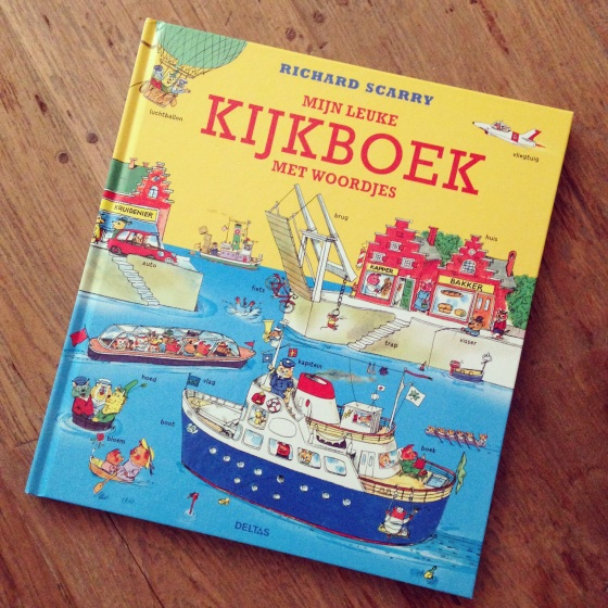 Mijn Leuke Kijkboek Met Woordjes, by Richard Scarry. A First Word Book in Dutch- from ameliesbookshelf.com